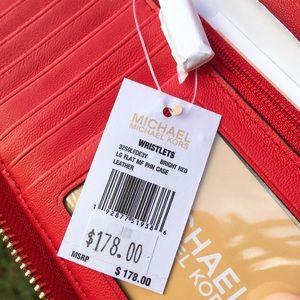 MICHAEL Michael Kors Bags - Micheal Kors Flat Phone Wristlet Wallet